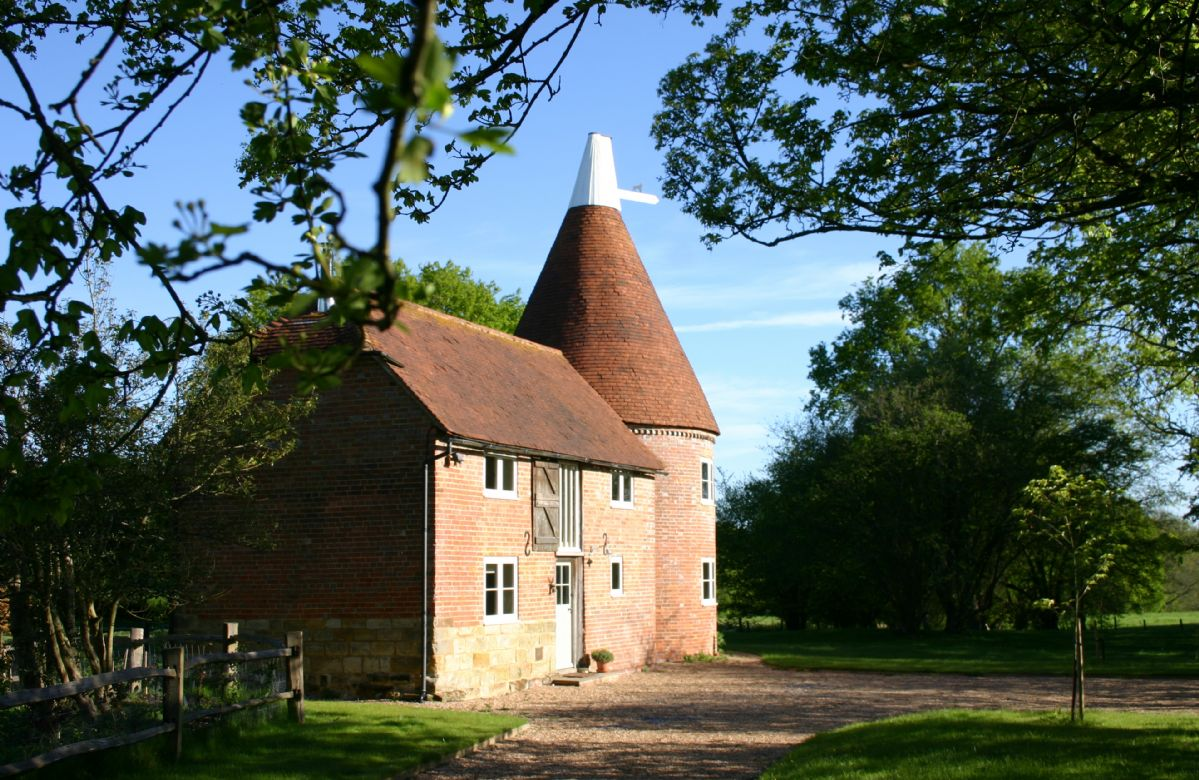 Click here for more about Bakers Farm Oast
