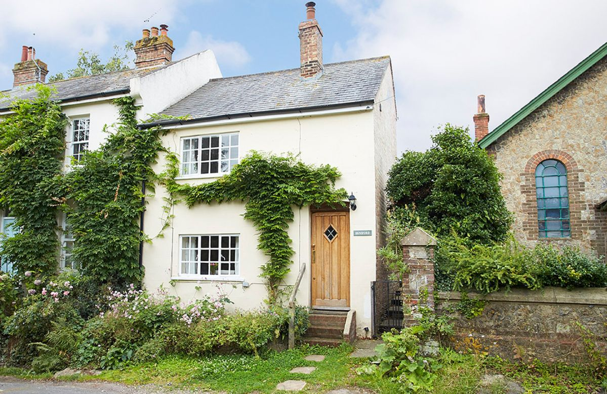 Densford Cottage is located in Amberley
